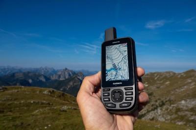 Máy định vị Garmin GPSMap 66s cầm tay cao cấp với hình ảnh vệ tinh BirdsEye