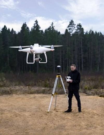 Cùng tìm hiểu về UAV RTK  (Drone RTK)