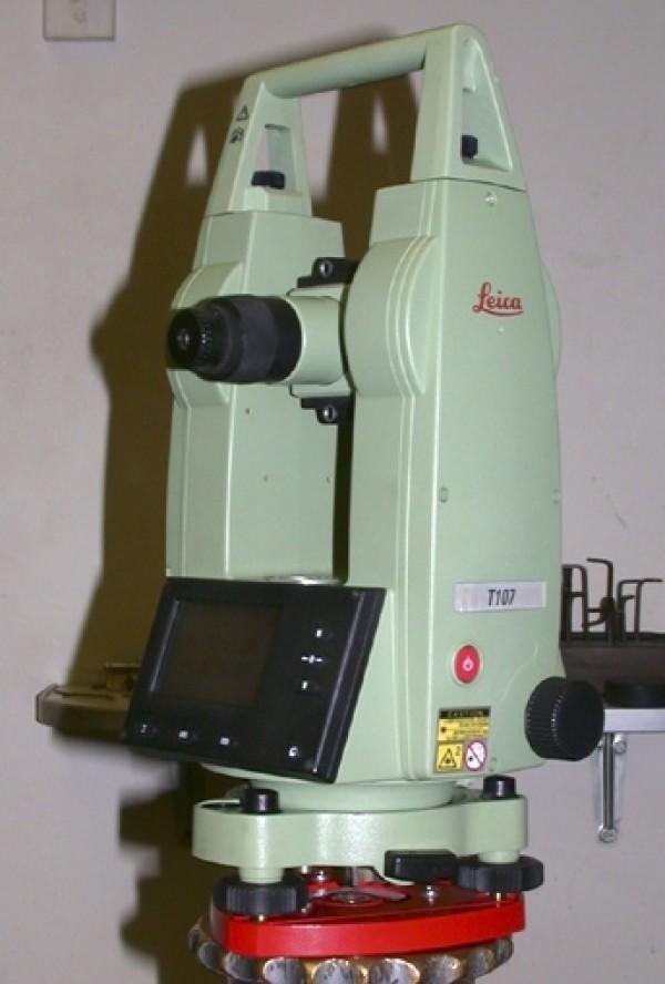 Kinh vĩ điện tử Leica T107S